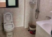出售興安華庭 93.5平米 三室 129.5萬元